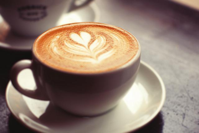 簡單6招 預防牙齒被咖啡染色